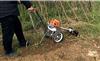 小型背负式松土锄草机