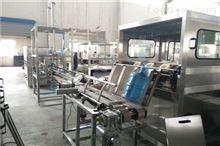 QGF全自动18.9升桶装水灌装机