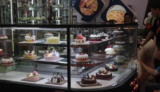 蛋糕柜为各色甜点添风味 生产还需避免同质化